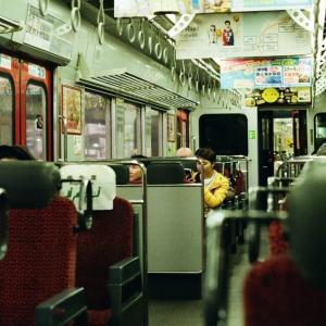 CONTAX G1と映画帰りのJR九州車内
