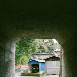 GA645Ziと国道を抜けるトンネル