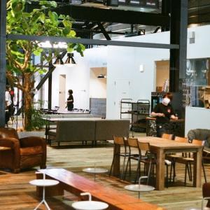 CONTAX G1と新しくできた複合スポーツ施設件レストラン