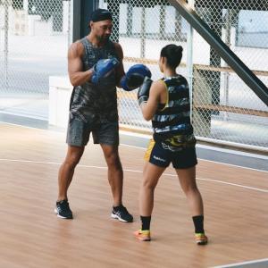 PENTAX 67と7人制女子ラグビー選手のトレーニング