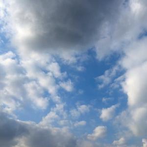 [解説付]『雲の切れ間の下に行っても晴れているとは限らない』