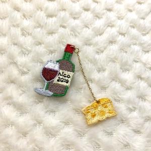 掲載★ワインとチーズの刺繍ブローチ・・・とカメリア刺繍♡