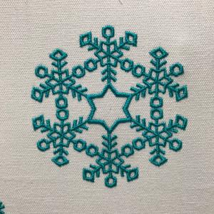 雪の結晶風刺繍★その2