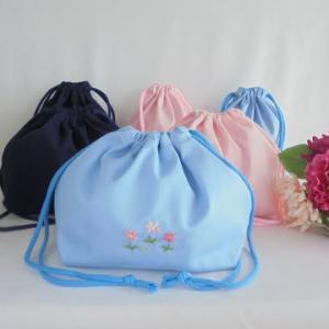 入学・通学用 手刺繍おべんとう袋と給食袋のセットがそろいました