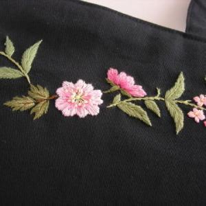 刺繍のセカンドライン
