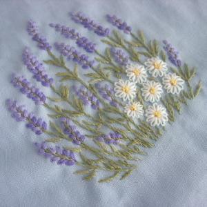 手刺繍 ラベンダーとカモミール イングリッシュガーデン