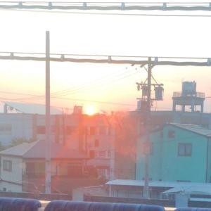 車窓から始まる朝
