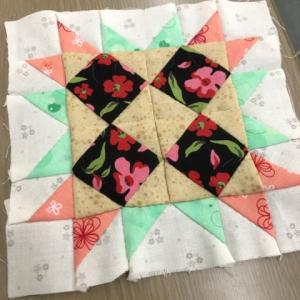 星のキルト(四角星の中の四角形)その2