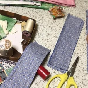 母のパッチワーク(日めくりカレンダーのパターンの布カット)