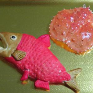 紅鮭とタラバガニ出番待ち 宴の準備は整った。プーバラン海老で海老カツ?