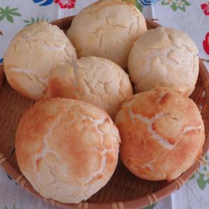 三種のチーズ ダッチパン・タイガーブローもどきと、いかくんチーズフォンデュでチーズまつり