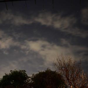 雲間から冬の星座(タイムラプス)