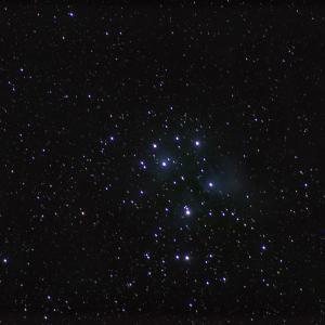 M45プレアデス星団(すばる)