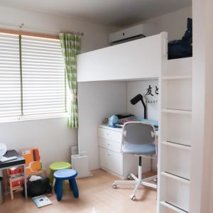 2年目のロフトベッドのある子供部屋