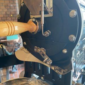 プロの演奏家による【耳焙煎コーヒー】は、クレモナだけのオリジナルです!