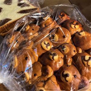 お家サロンな日々と旦那さんが買ってきた可愛いパン、そして嬉しかった出来事。