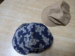 既製の帽子を参考にして作りました。