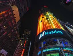 【悲報】NASDAQさん、特大のシグナル出現か・・・