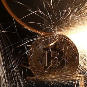 ビットコイン完全終了、金融庁仮想通貨投信を禁止