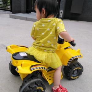 1歳でも乗りこなせる電動バギー。