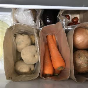 冷蔵庫の野菜室収納、少し見直しました。