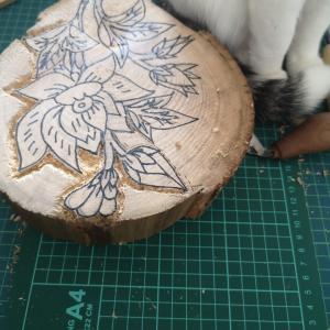 木版を彫る 2