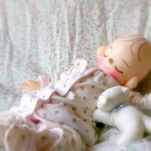 赤ちゃん、胎児を感じられる実物大の手作り人形