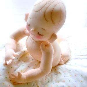 あどけない表情が人気♪ 実物大赤ちゃん人形