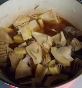 旬のタケノコを煮物で頂く!