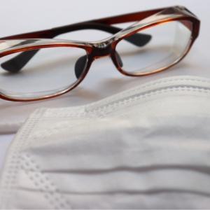 メガネが曇るって英語でなんというの?