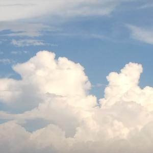 キラキラした夏の雲