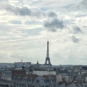 パリ Paris,