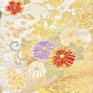 華やかで美しい西陣織帯地のはぎれを購入。花瓶敷きなどで使用