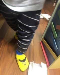 パパにドクターイエローの靴下を買ってもらいました: