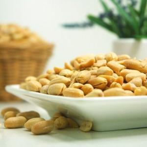 原材料のチェックを心がけよう!子供にも多いナッツ類のアレルギーにご注意を。
