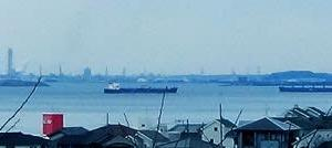 横須賀市立うわまち病院から眺める東京湾