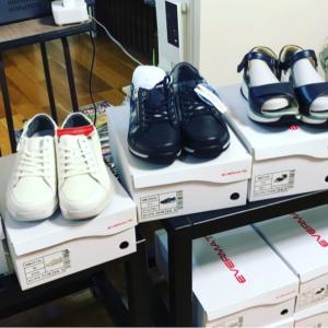 足に良い靴のサンプル入荷
