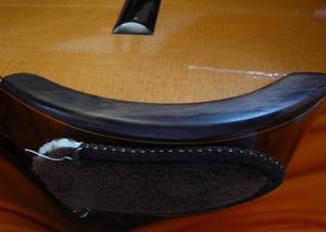 今日のギター練習の調子は?  試しにギターアームレストを購入。