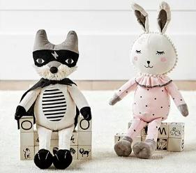 遊び心のある可愛いデザインが人気、Pottery Barn(ポッタリーバーン) のウサギのぬいぐるみ!!