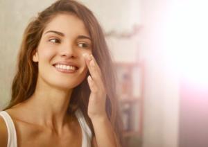 肌のゴワつきや乾燥やくすみなど、肌不調の起こりやすい秋に、健康的な美白肌をとり戻しましょう。