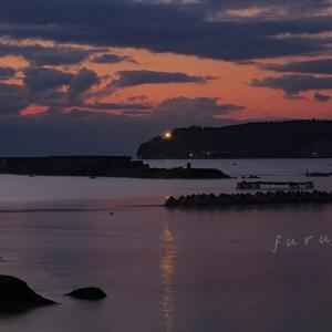 能登島の夜明け 気嵐少し