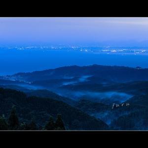未明の富山湾を見る