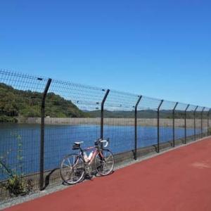 午前中は自転車乗りへ。