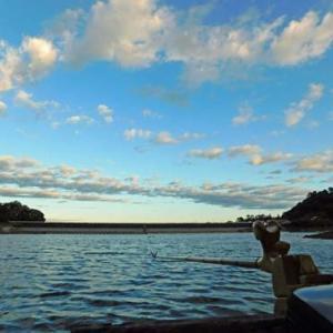 10月24日、鮎川湖。