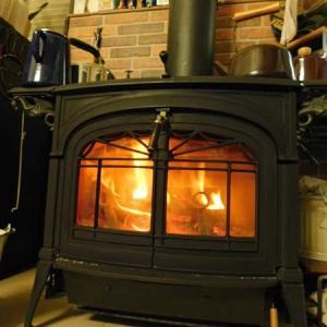 今年も焚き火の季節がやってきた。