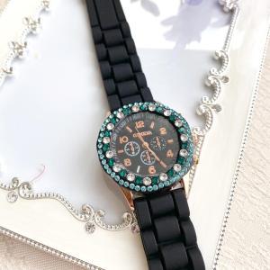 お子様でも作れます!エメラルドグリーンと黒の組み合わせがきれいな時計☆【生徒様作品】