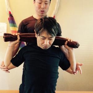 慢性的な首こり、肩こりの為のトレーニング