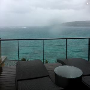 お初の沖縄は…寒い!!天気荒れてます。
