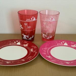 赤とピンクのプレート&タンブラーの違いを勝手に比較してみた!