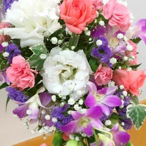 お花の勉強って奥が深い!角度とカーブが難しいクレッセントブーケ